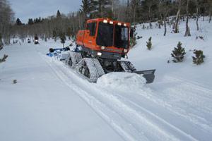 Trail grooming machine